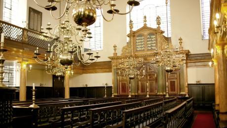 457%2F842%2FBevis+Marks+Synagogue+NTsized_thumb_460x0%2C0