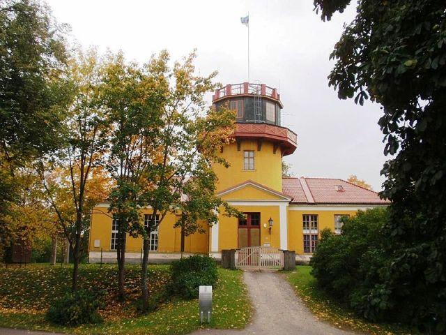 800px-Tartu_Observatory_2008